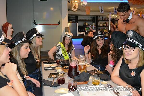 Policias-disfraz-despedidas