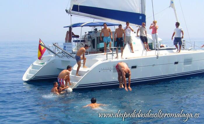 Barco para despedidas en Málaga 2